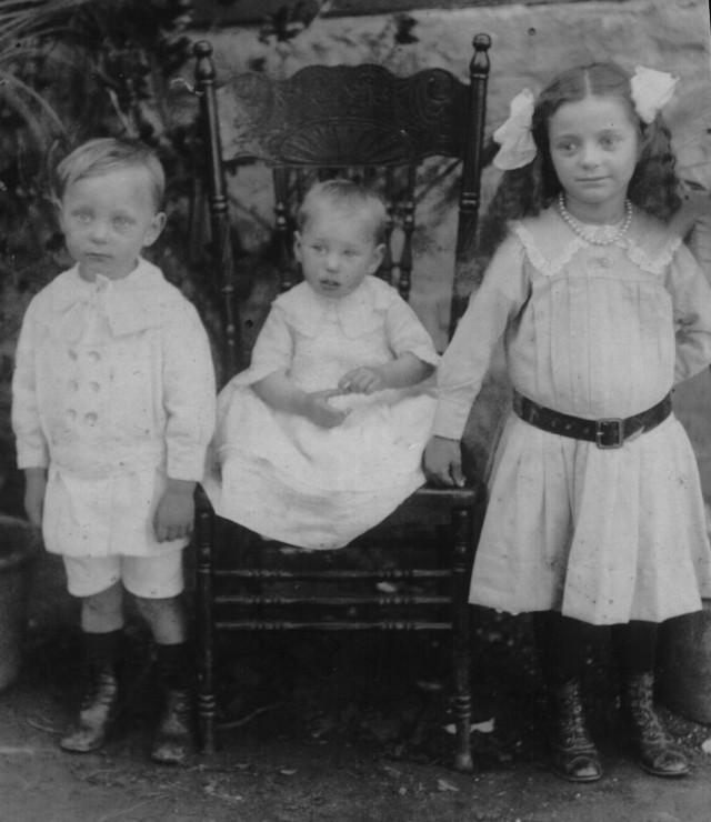 Nina May Allen, Alexander Wilson (Bill) Allen and Alice Eileen Allen.