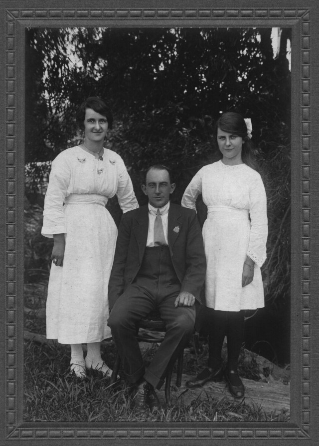 Alice & Frank Paul, with Alice's sister Alberta Adelaide (Addy)